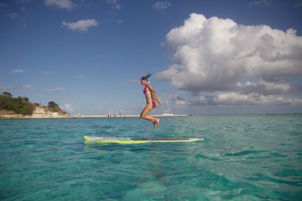 Paddleboard ropeskipping on Tobago Cays
